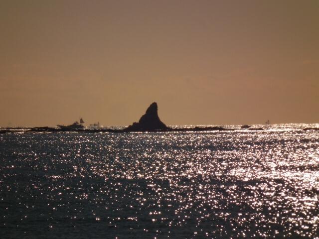 茅ケ崎の烏帽子岩